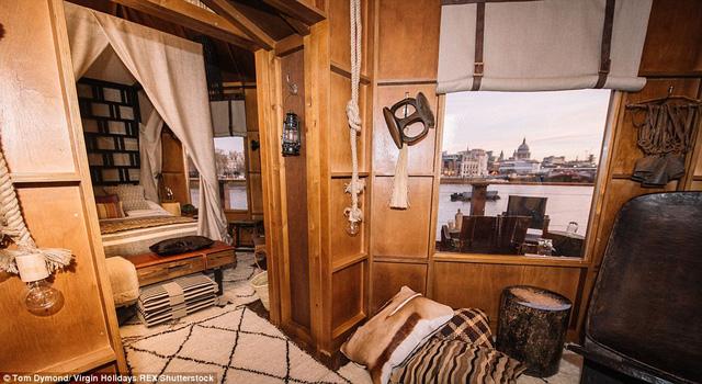 Căn nhà được thiết kế gồm hai phòng thích hợp cho các du khách nghỉ ngơi và ngắm cảnh thành phố London.