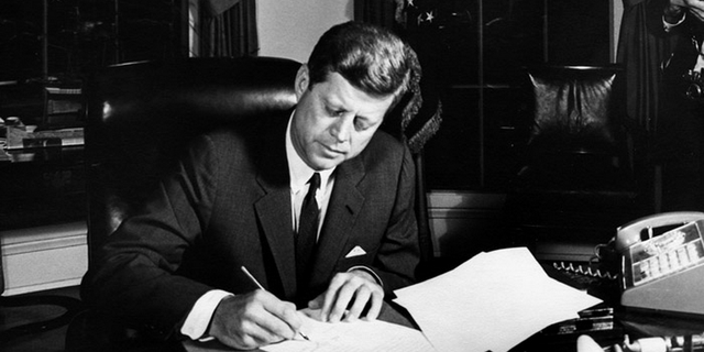 John F. Kennedy, tổng thống thứ 35 của Mỹ.