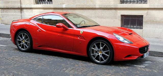 Thay vì tiêu tốn vào siêu xe, người giàu có thường nghĩ cách để kiếm ra thật nhiều tiền.