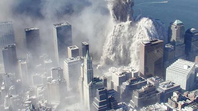 Đống đổ nát sau vụ khủng bố chấn động nước Mỹ.