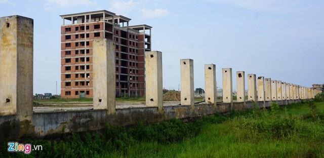 Tường rao bao quanh dự án đại học Hoa Lư Ninh Bình