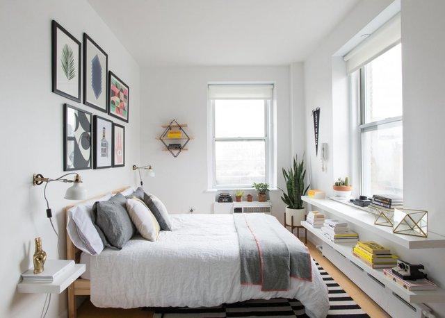 Nhà thiết kế Melissa đã lựa chọn màu trắng thanh thoát, thoáng rộng để thay thế cho những bức tường màu vàng be giống như bộ răng xỉn trước đó.