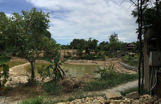 Hệ thống hồ ao nuôi cá đang xây dựng