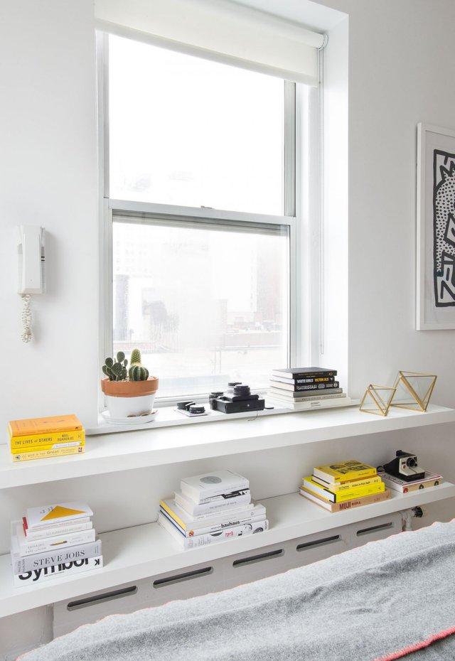 Việc sắp xếp hợp lý mọi khu vực chức năng và tận dụng tối đa ánh sáng tự nhiên đã khiến căn hộ dù diện tích rất nhỏ nhưng lại trở nên bừng sáng đến không ngờ.