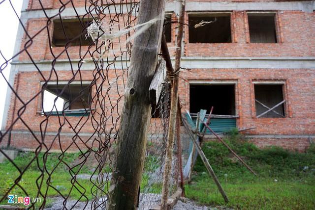 Dự án đại học Hoa Lư Ninh Bình được bảo vệ bằng hàng rào thép