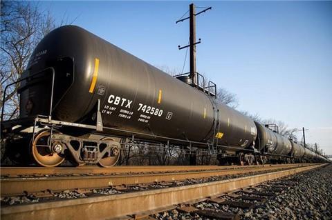 Giá dầu tăng mạnh, dần tiến tới ngưỡng 70 USD/thùng