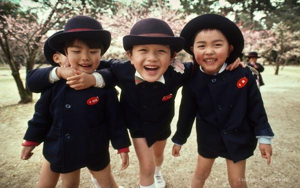 Người Nhật chưa bao giờ khiến quả đât ngừng quá bất ngờ và 5 điều về giáo dục này cũng vậy