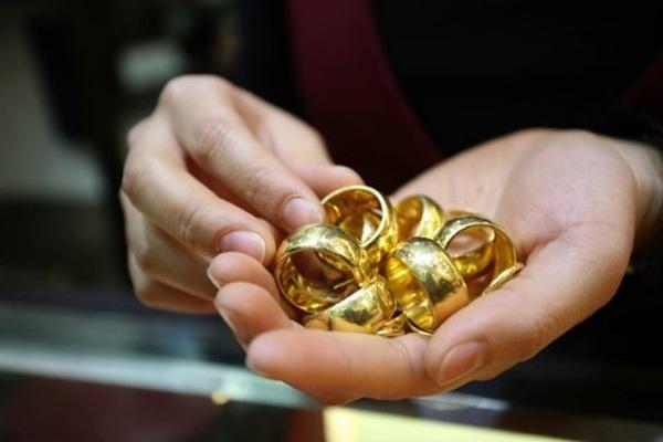 Nhu cầu mua vàng dịp cuối năm vẫn cao