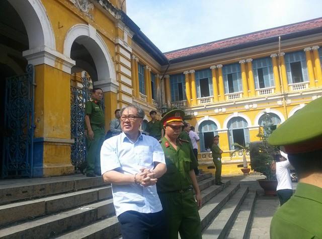 3 cá nhân gửi tiền ở VNCB nói tiền của họ dù tiền lãi trả về tài khoản ông Trần Quý Thanh - Ảnh 1.