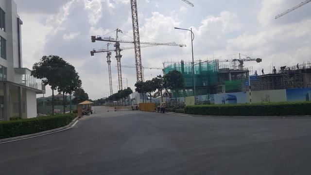 Hạng mục biệt thự, nhà phố của dự án khu đô thị Sala trong lòng Thủ Thiêm đang đẩy nhanh tiến độ xây dựng.