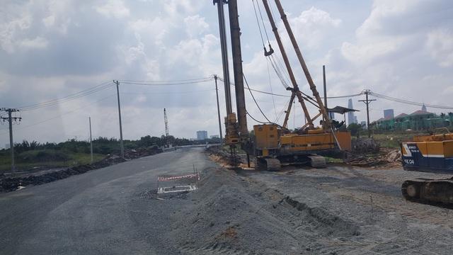 Một góc tuyến đường R2 đang được xây dựng.