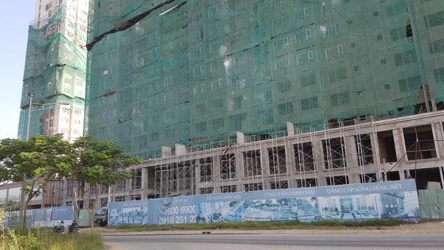 Tận dụng dự án hầm chui và cầu vượt ngay ngã tư Nguyễn Hữu Thọ - Nguyễn Văn Linh chuẩn bị khởi công xây dựng, nhiều chủ đầu tư đang chạy đua đẩy nhanh dự án ra thị trường
