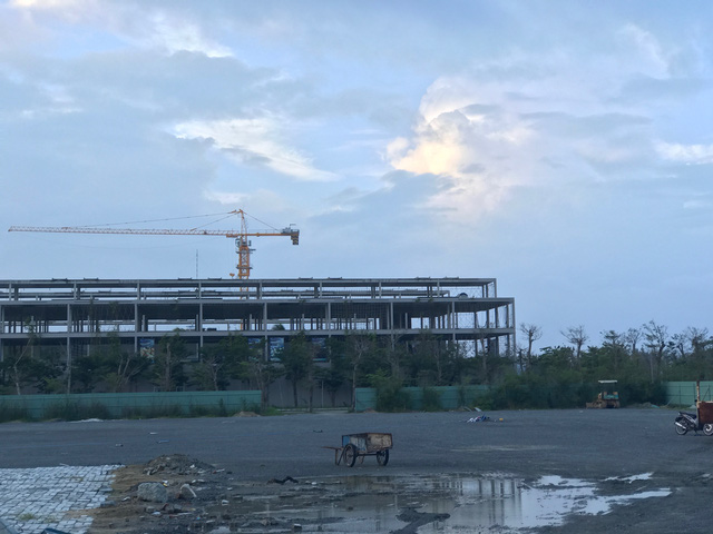 Khu condotel của quần thể nghỉ dưỡng cao cấp Cocobay đang được xây dựng