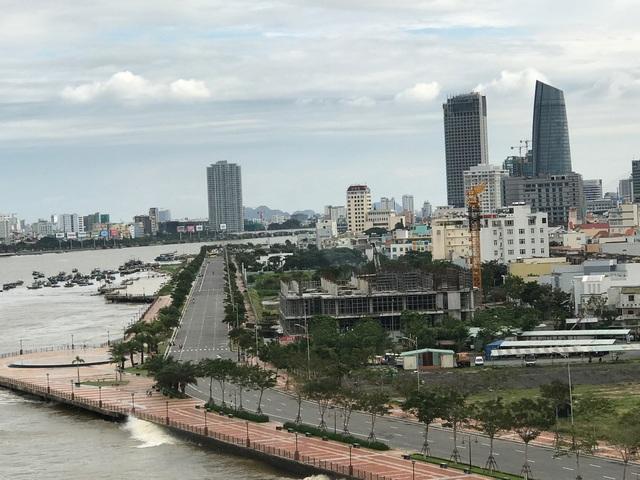 Rất nhiều tuyến đường quanh trung tâm thành phố, hầm chui ngay tại các nút giao thông đang được đầu tư nâng cấp, mở rộng.