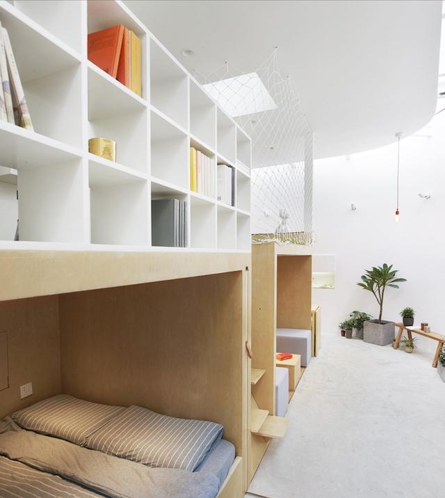 Nhờ nó mà các khu vực hành lang, phòng khách, phòng ngủ được phân định rõ ràng mà vẫn có sự kết nối mật thiết.