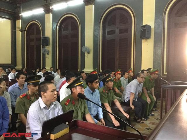 Phiên tòa sáng 28/7: Nguyên phó phòng VNCB Sài Gòn xin nghỉ việc vì không muốn chống đối lãnh đạo - Ảnh 1.