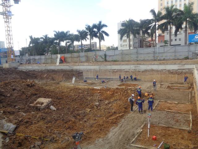 Hiện nay đã thi công xong cọc khoan nhồi, đang triển khai thi công hầm.