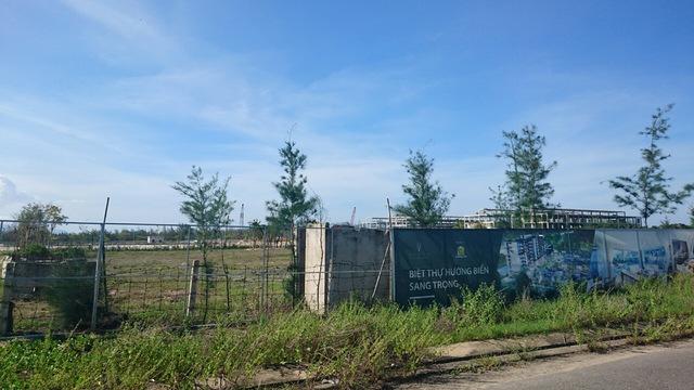 Một nhân viên môi giới cho biết hiện dự án đang xây dựng phần condotel.