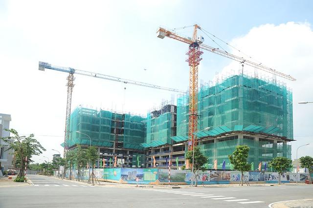 Một dự án nhà ở giá rẻ khác của Him Lam Land đang thi công phần cao tầng. Dự án Him Lam Phú Đông toạ lại tại trung tâm quận Thủ Đức.