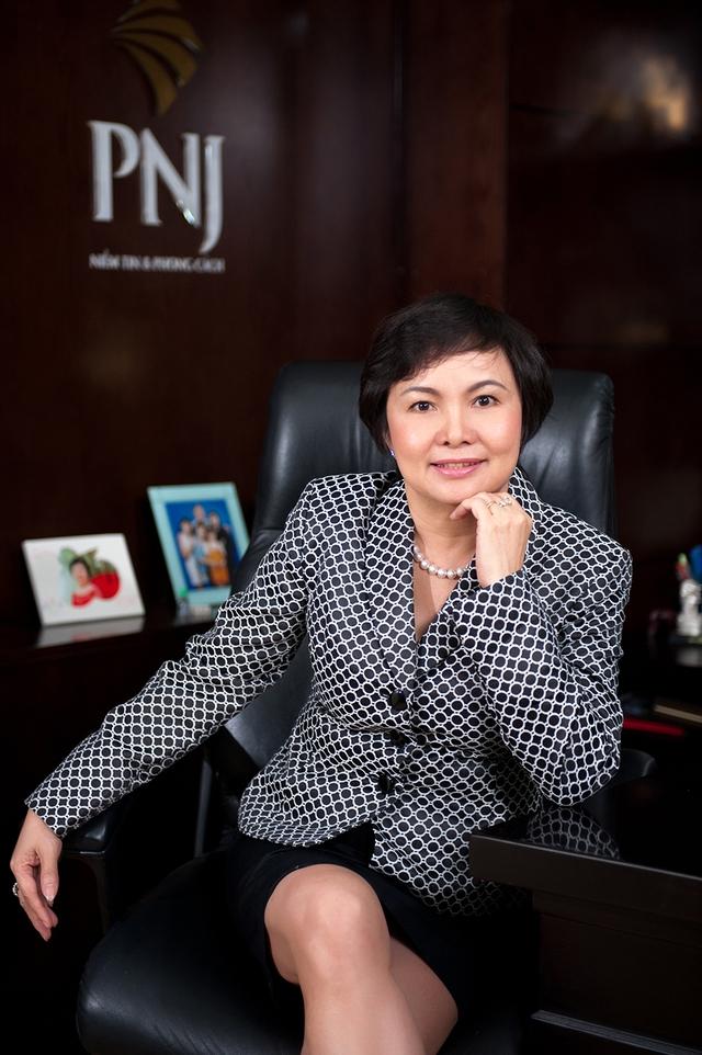 Bà Cao Thị Ngọc Dung, Chủ tịch kiêm Tổng giám đốc Công ty CP Vàng bạc Đá quý Phú Nhuận (PNJ).