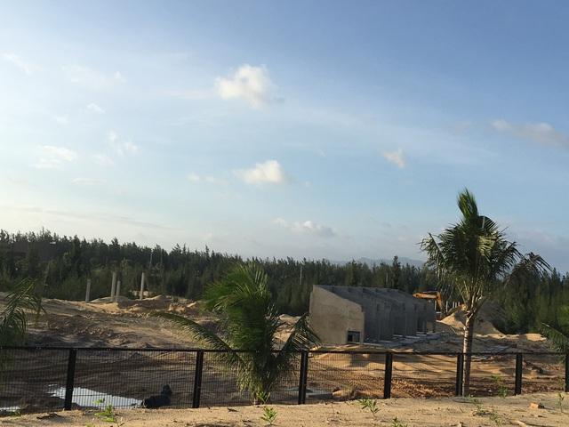 Hệ thống chuồng nhốt thú bên trong Khu công viên Safari của FLC đang được đẩy nhanh tiến độ xây dựng