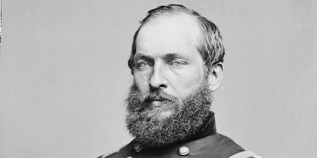 James Garfield là tổng thống thứ 20 của Mỹ. Nhiệm kỳ ngắn ngủi của ông kết thúc sau khi ông bị ám sát năm 1881. Sinh ra trong một gia đình nông dân ở bang Ohio, Garfield từng có thời gian làm người đánh xe dla kéo với mức thu nhập 8 USD/tháng.