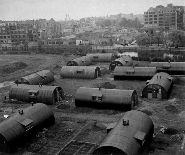 Sau Thế chiến II, người Đức lâm vào cảnh thiếu nhà ở nghiêm trọng. Ảnh: Getty