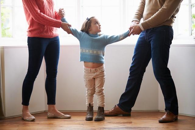 Bất đồng giữa cha và mẹ là nguyên nhân gây nên đổ vỡ hạnh phúc gia đình.