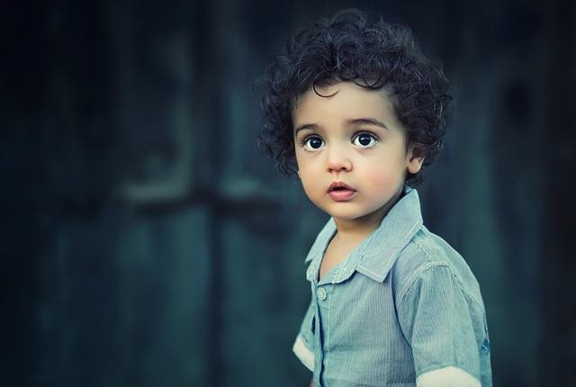 Cha mẹ đừng lấy tố chất của con để khen ngợi, hãy dùng tư duy mở rộng để dạy tốt hơn