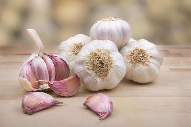 7 loại thực phẩm cần ăn trong thời tiết giao mùa nếu muốn khỏe mạnh đẹp xinh - Ảnh 1.