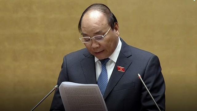Thủ tướng Nguyễn Xuân Phúc báo cáo trước Quốc hội sáng 17-11