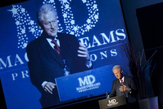 Cựu Tổng thống Bill Clinton thu nhập hơn 100 triệu USD chỉ nhờ diễn thuyết từ năm 2001-2014 Ảnh: AP