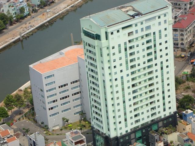 Những DN có địa chỉ trụ sở, chi nhánh văn phòng trong chung cư đang gặp khó với quyết định của Sở KH-ĐT TP Hồ Chí Minh.