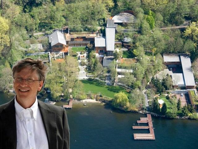 Ngôi biệt thự của Bill Gates có tên gọi khá kì lạ, Xanadu 2.0, tên của một ngôi nhà trong bộ phim Citizen Kane, rộng hơn 6.123 mét vuông, tọa lạc trên một ngọn đồi hướng ra hồ Washington, thành phố Medina, bang Washington, Mỹ.