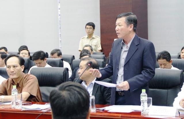 Ông Trung phân tích nhiều ưu điểm hầm chui qua sông Hàn sau khi nghiên cứu, lắng nghe ý kiến của các chuyên gia, nhà khoa học, thành viên hội đồng thi tuyển phương án kiến trúc công trình qua sông Hàn.