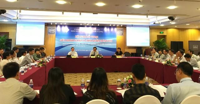 Sở Xây dựng TP.HCM giải đáp thắc mắc của người dân, chủ đầu tư tại hội nghị Đối thoại Doanh nghiệp - Chính quyền TP.HCM ngày 22/12/2016 - Ảnh: BizLIVE.
