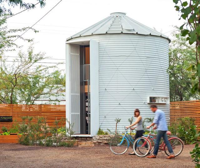 Ngôi nhà là món quà quý giá mà chàng kiến trúc sư trẻ Christoph Kaiser dành tặng vợ.