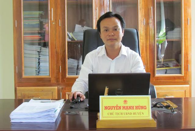 Phó bí thư Huyện ủy, Chủ tịch huyện A Lưới Nguyễn Mạnh Hùng. Ảnh: Quang Thành