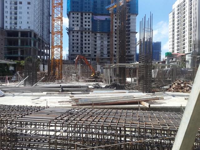 Bên trong công trườn dự án Rivera Park Hà Nội.