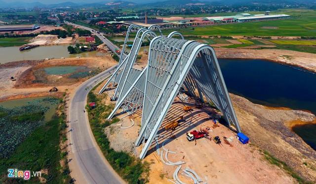 Dự án nằm trong cụm công trình điểm dừng chân, được đầu tư xây dựng trên diện tích gần 140 ha nơi tiếp giáp giữa địa phận hai tỉnh Hải Dương và Quảng Ninh.