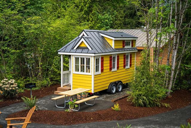 Ngôi nhà nhỏ luôn hút hồn khách vào nhà bởi hình dáng bên ngoài vô cùng bắt mắt.