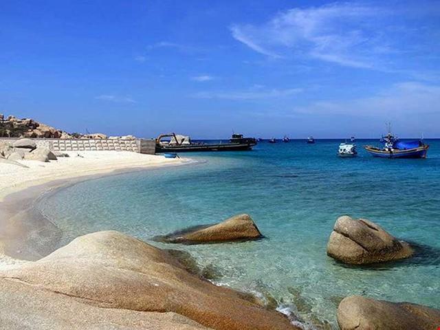 Khu bảo tồn biển Hòn Cau. Ảnh: Huỳnh Quang Huy