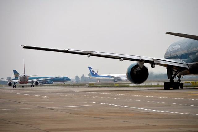 Việt Nam có 9 sân bay quốc tế, là cơ cơ sở hạ tầng để thu hút được nhiều hãng hàng không quốc tế hợp tác chọn làm điểm đến.