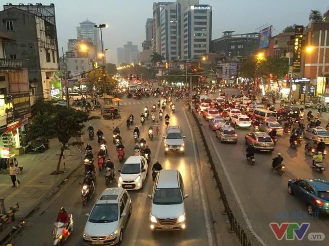 Tuyến đường BRT đi qua có mật độ giao thông đông đúc, đặc biệt là giờ cao điểm