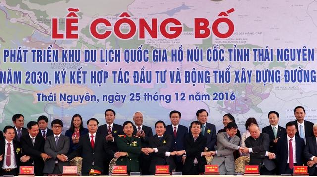 Lễ ký kết giữa UBND tỉnh Thái Nguyên và các nhà đầu tư. - Ảnh: VGP/Thành Chung