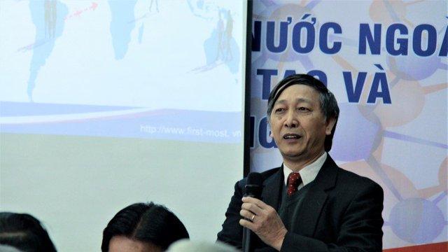 TS Tạ Bá Hưng cho biết, Nghị định đã ban hành 2 năm nhưng chưa có trí thức nào được mời về. Ảnh: Lê Văn.