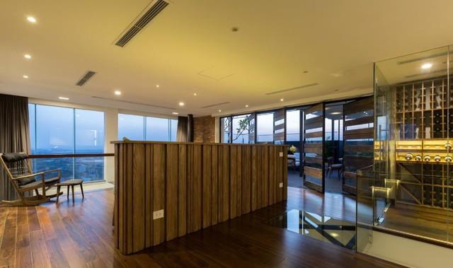 Khu vực nghỉ ngơi, phòng tắm, phòng thay đồ cùng khu vườn giải trí được bố trí trên tầng 2.