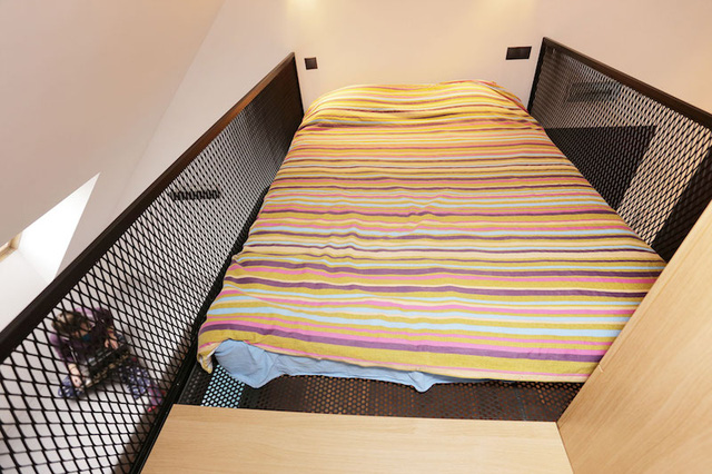 Toàn bộ nơi nghỉ ngơi được thiết kế với ô lưới thông thoáng, tạo cảm giác thoải mái cho người sử dụng.