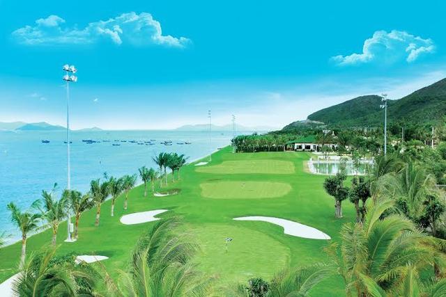 Sân tập golf đầu tiên hướng biển đẳng cấp quốc tế.