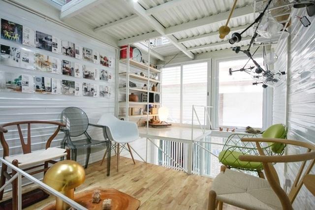Các tầng lửng được bố trí với độ cao khác nhau, đảm bảo được sự thoáng đãng và tận dụng được tối đa không gian.